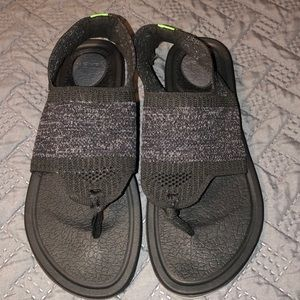 Sanik Sandals